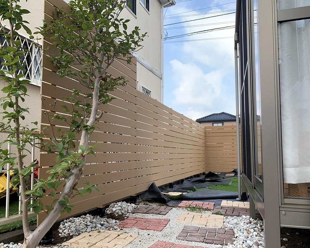 人工木フェンスが出来上がりました。