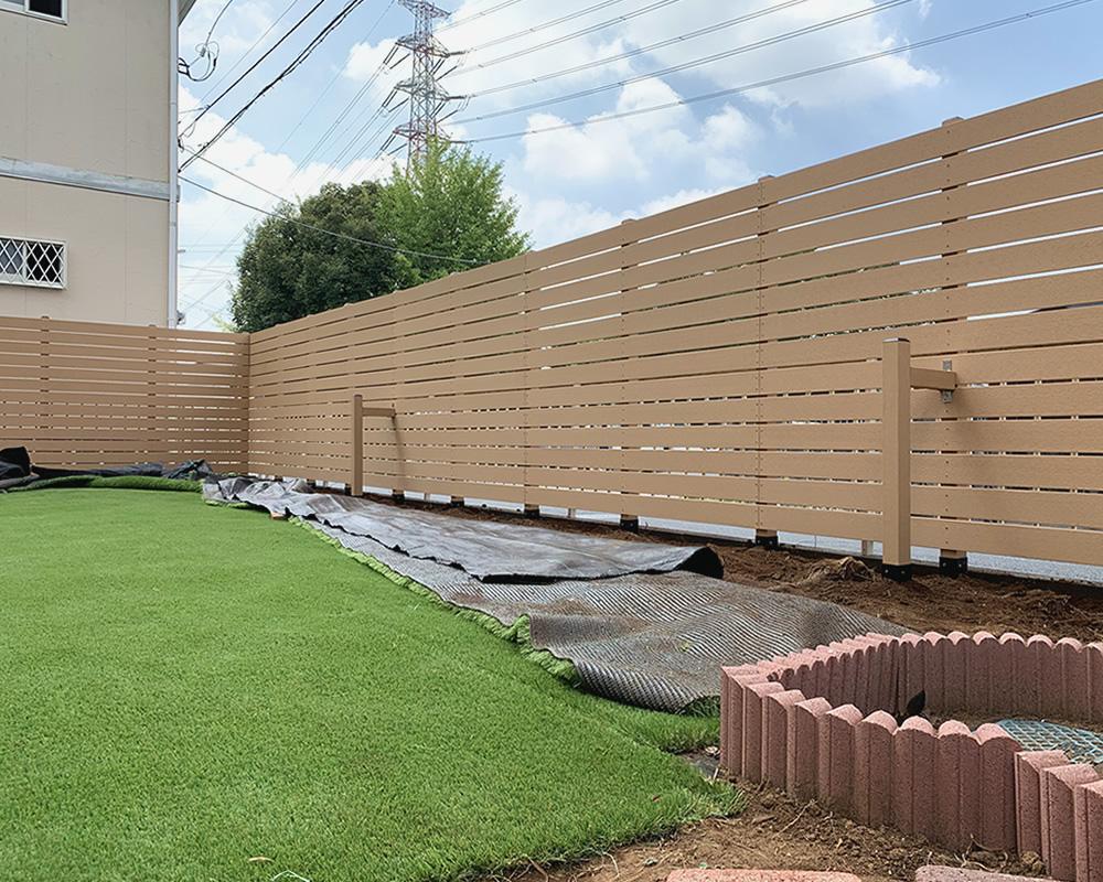人工木フェンスの設置が完成しました!