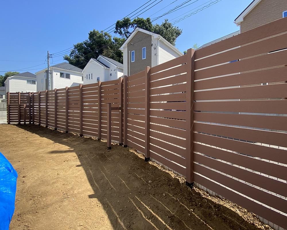 人工木フェンスが完成しました!