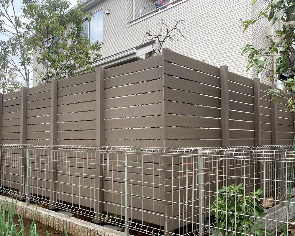 裏側から見た人工木フェンス